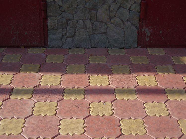 Тротуарная плитка клевер фото
