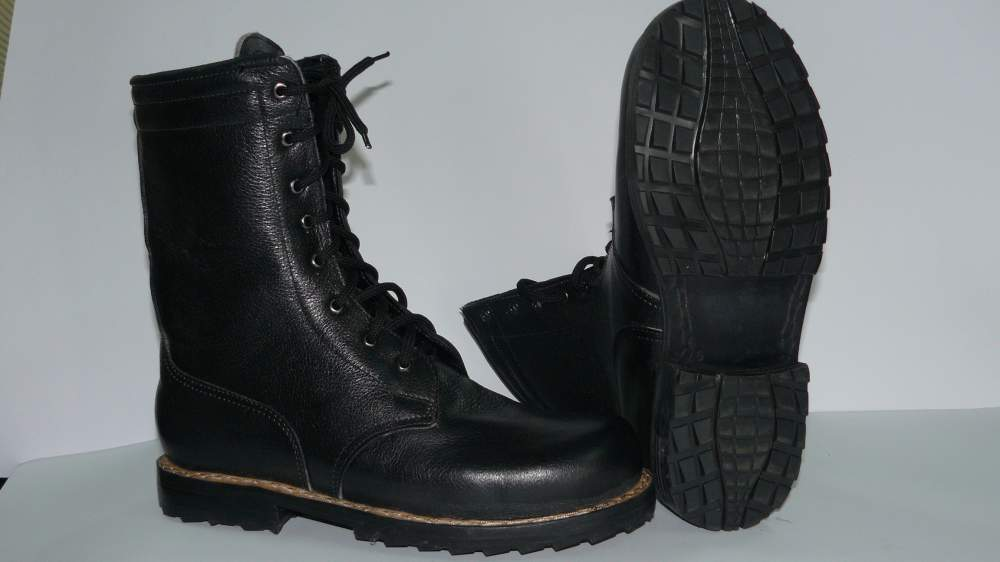 Взуття безпечне нековзна купити в Львів 6cce955ea8f65