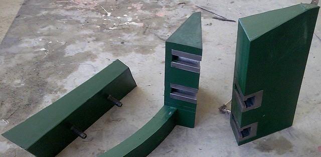 Скребки для бетономешалок армированные и не армированные