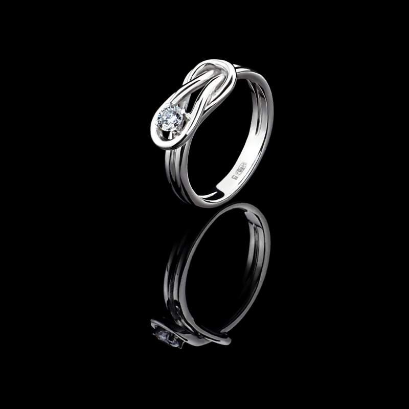 Купити Кільце із платини з діамантами Метал  платина Вага виробу  5 d0dfb6d4980c7