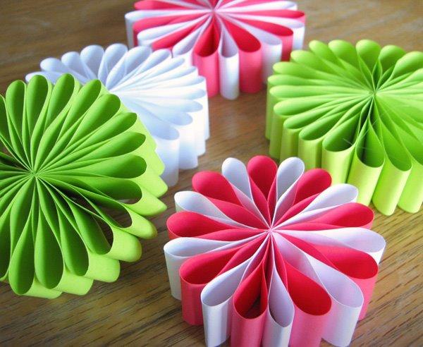 Елочные игрушки из цветной бумаги своими руками с детьми