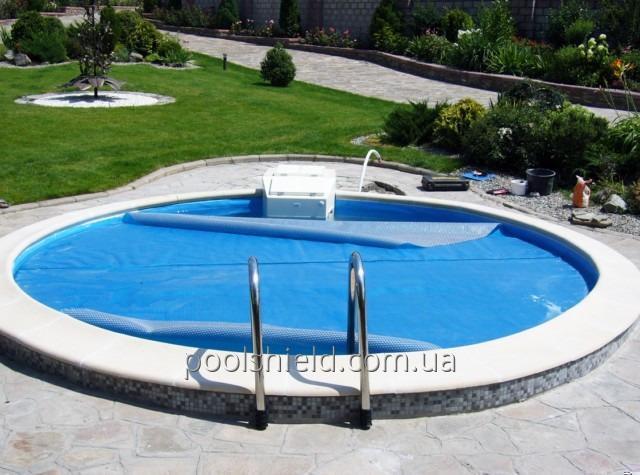 Солярная пленка Shield для бассейна с эффектом энергосбережения
