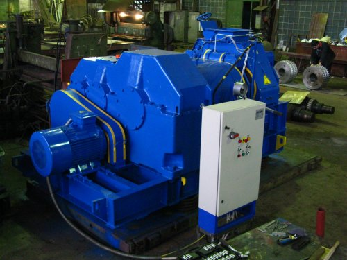 Presses roller DBW-19 and DBW-22 briquetting iron concentrates