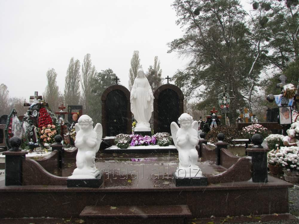 Изготовление статуи Богородицы в Киеве