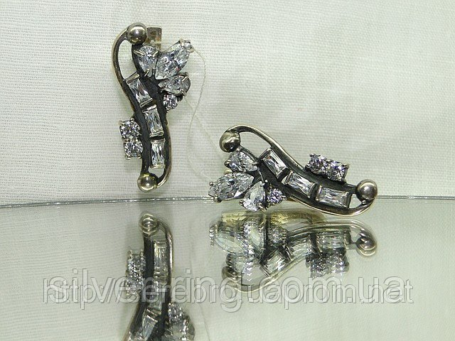 Серебряные серьги с цирконом 0057С