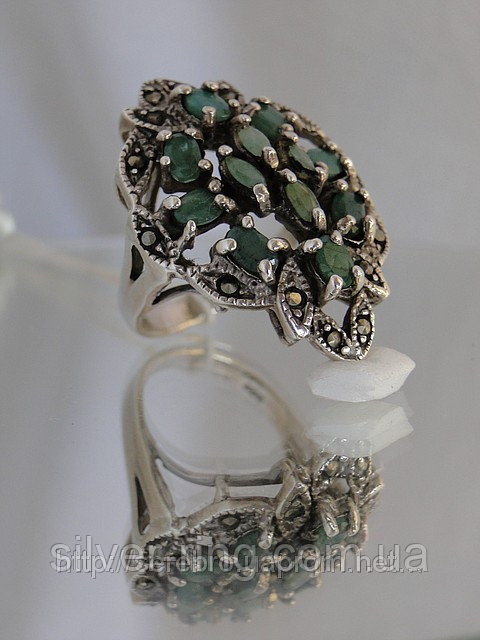 Оригинальный перстень с изумрудом и марказитами 0003К