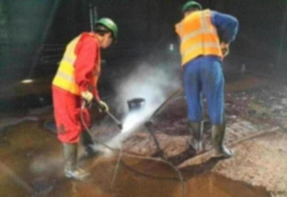 Резервуар РВС после качественной зачистки от мазута