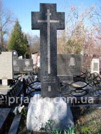 Православные и католические кресты из гранита