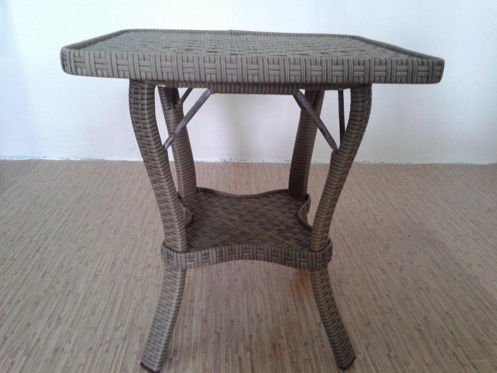 Купить Столик кофейный из ротанга 60*60