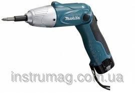 Купить Аккумуляторный шуруповерт Makita DF011DS