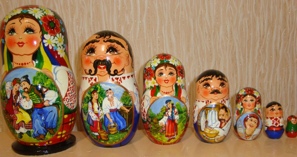 The Ukrainian painted nested doll from 7 pieces big 723