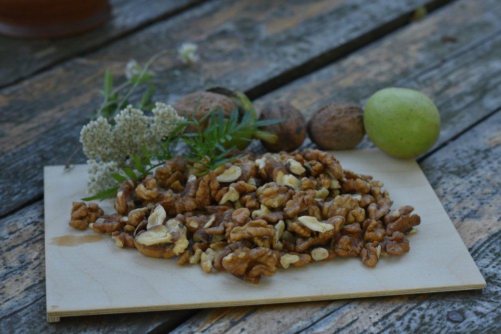 Четверть янтарного грецкий орех