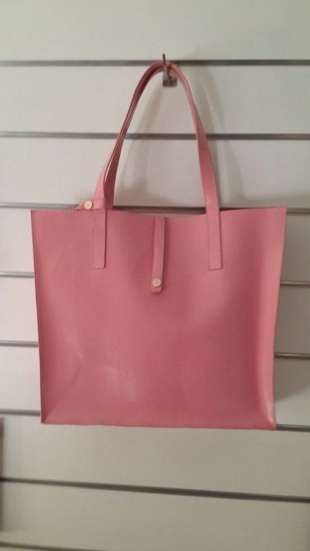 Женская сумка Valenta из натуральной розовой лаковой кожи