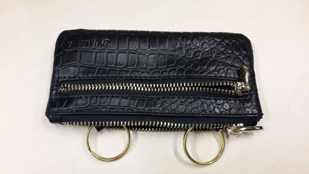 Кожаная сумочка для ключей Valenta черного цвета кроко