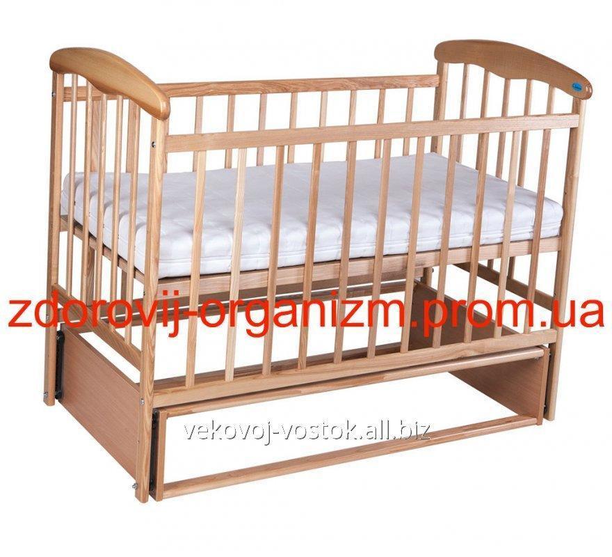 """Детская кроватка """"Наталка"""" Светлая (с маятником)"""