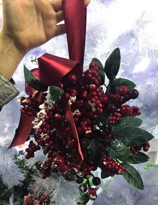 Mistletoe New Years Decorative Sphere Berries And Listyami26 Cm