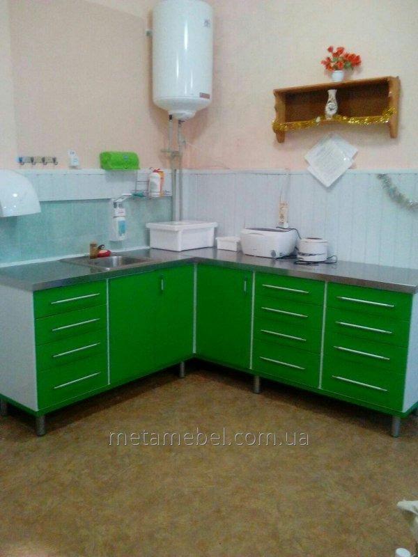 Комплект мебели металлической угловой для лечебного кабинета