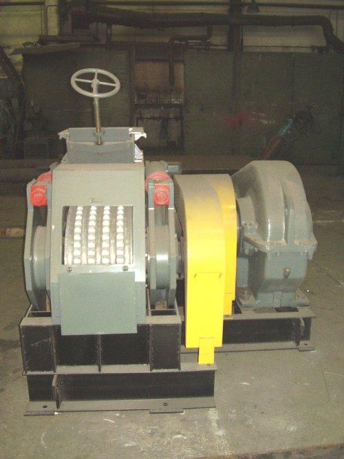 Пресс ПБВ-19 для брикетирования отсева флюоритовых окатышей