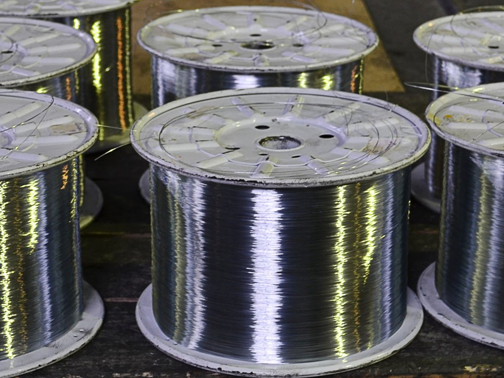 Проволока стальная низкоуглеродистая общего назначения, полиграфическая ,  сварочная , канатная, для тросов, проводов и кабелей