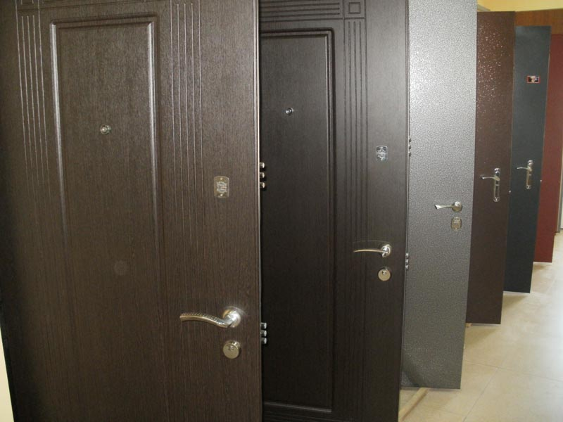 Armor doors for the apartment in Dniprodzerzhynsk sale and production of doors in Ukraine the price of doors to buy doors from the producer cheap. & Armor doors for the apartment in Dniprodzerzhynsk sale and ...