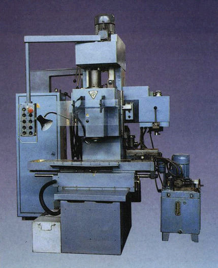 Buy The machine copy and milling vertical beskonsolny with a krestovy table the LT 260K model