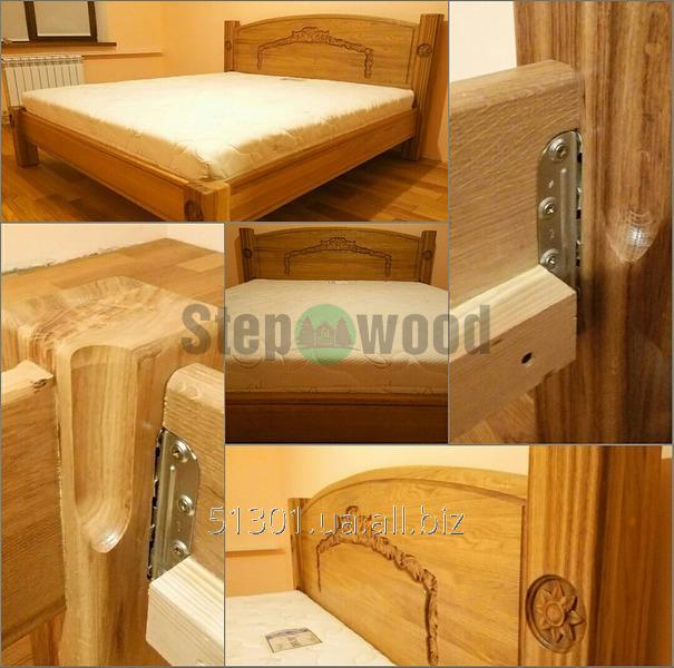 Кровать двуспальная  с резьбой, натуральный дуб. покрыто двухкомпонентным полиуретановым лаком итальянского производства