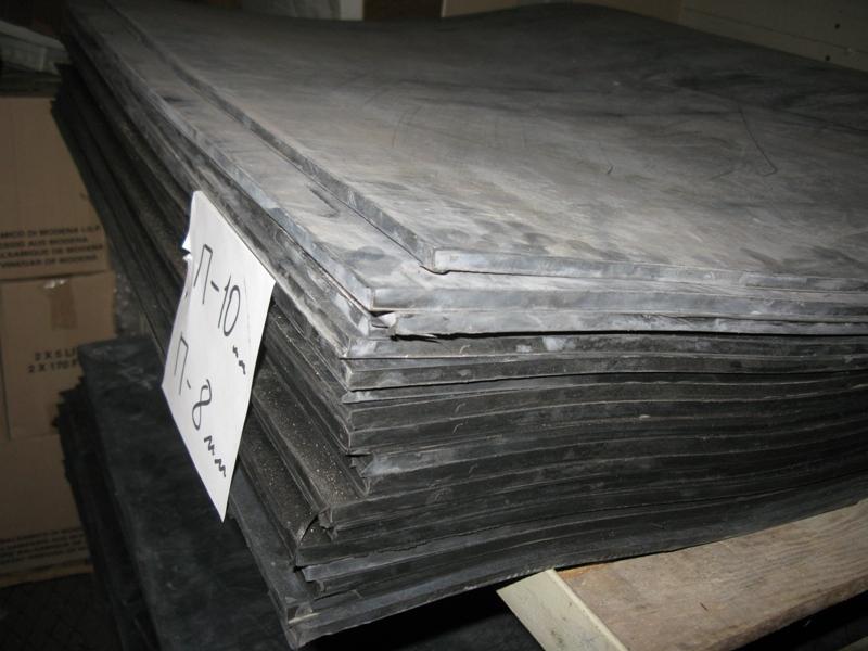 Пищевая резина черная, формовая 8мм 1000х1000мм