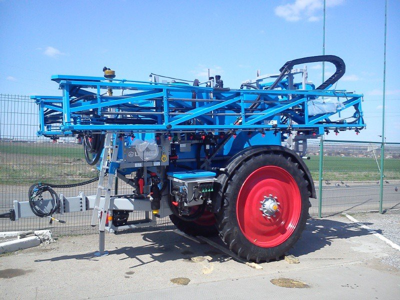 Sprayer of hook-on LEMKEN Primus 35/24