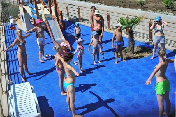 Купить Модульное покрытие для бассейнов и терасс