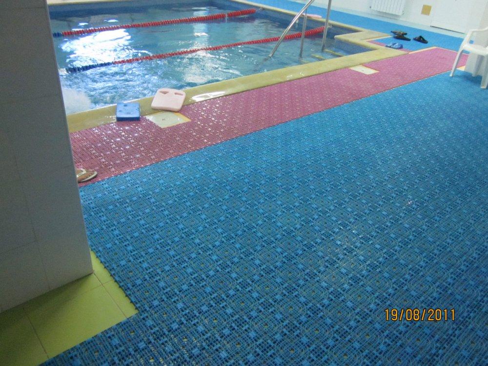 Купить Модульное антискользящее покрытие для бассейнов