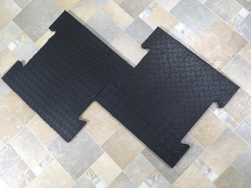 Купить Резиновая плитка для гаража