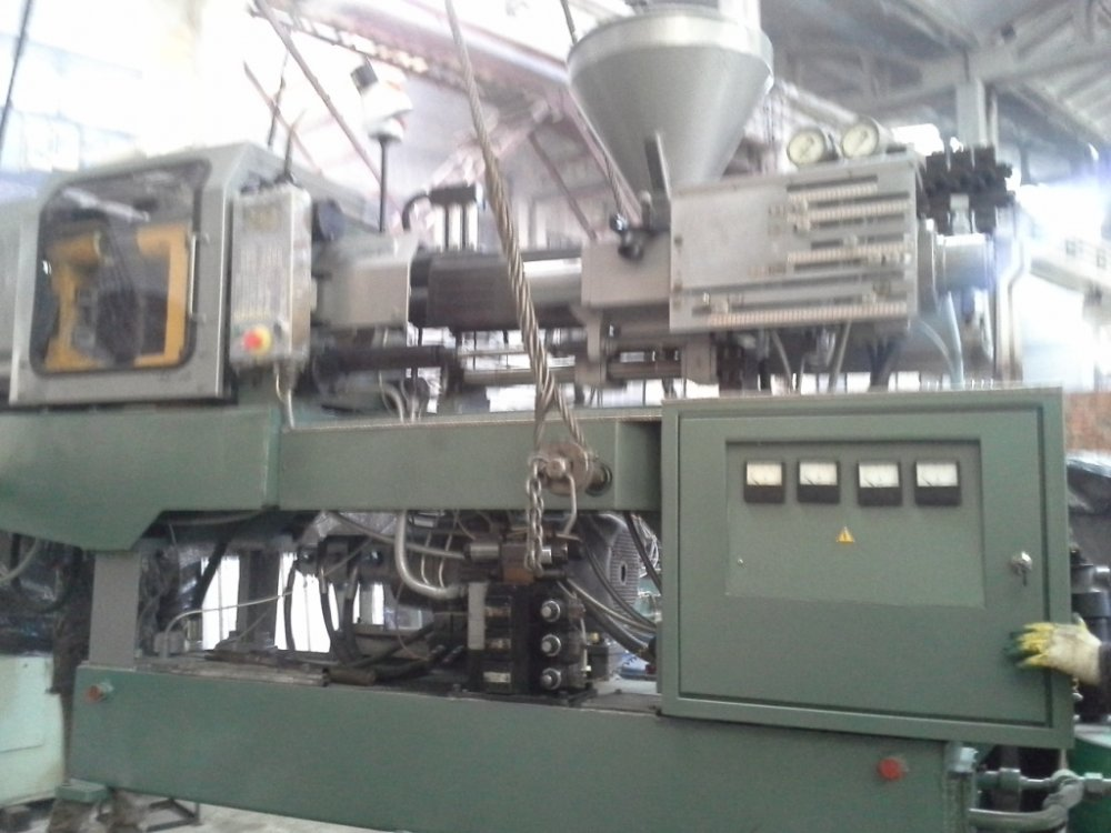 Buy DE 3330F1 automatic molding machine (volume of injection of 178 cm3). The car one-position for casting under pressure
