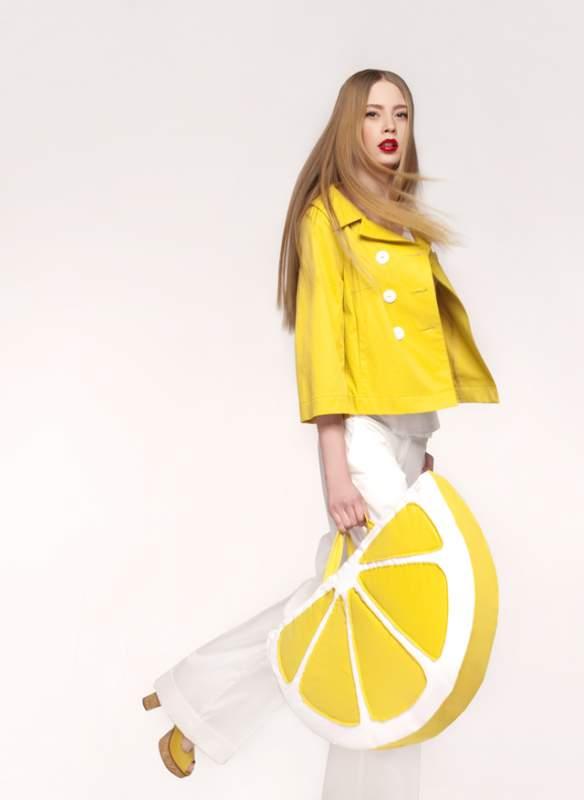 Купить Одежда женская дизайнерская, деловая, повседневная и вечерняя женская одежда ТМ Lakbi. Коллекции фокусируются в основном на брючных костюмах, жакетах с юбками, платьях, блузах, дополняются плащами, куртками, пальто.