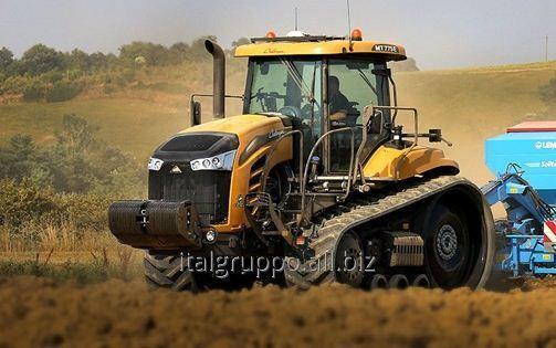 Трактор CHALLENGER MT700E