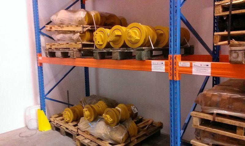Купить Каток опорный Liebherr ролики , цепь, направляющие колеса для бульдозера Liebherr