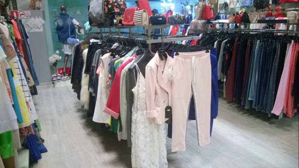 Купить Демонстрационные стенды для одежды