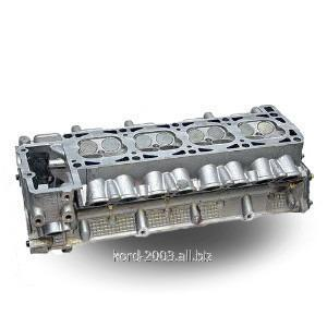 Головка блока цилиндров Урал 375, ГБЦ двигателя.