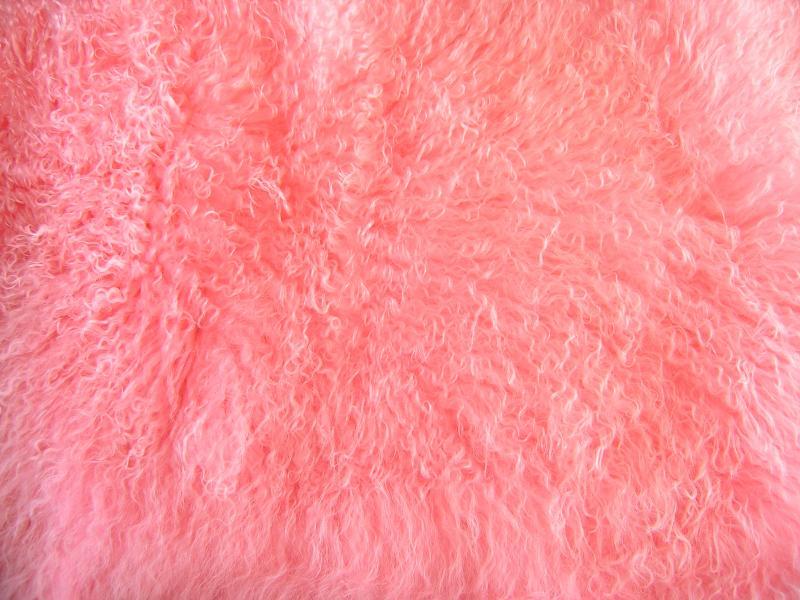 Пластина розовая Лама