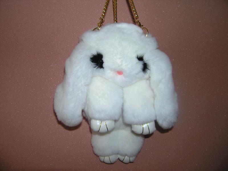 Сумка-игрушка Кролик в  белом цвете из меха кролика рекс