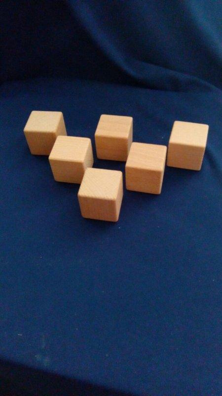 Кубик цельный 4 см