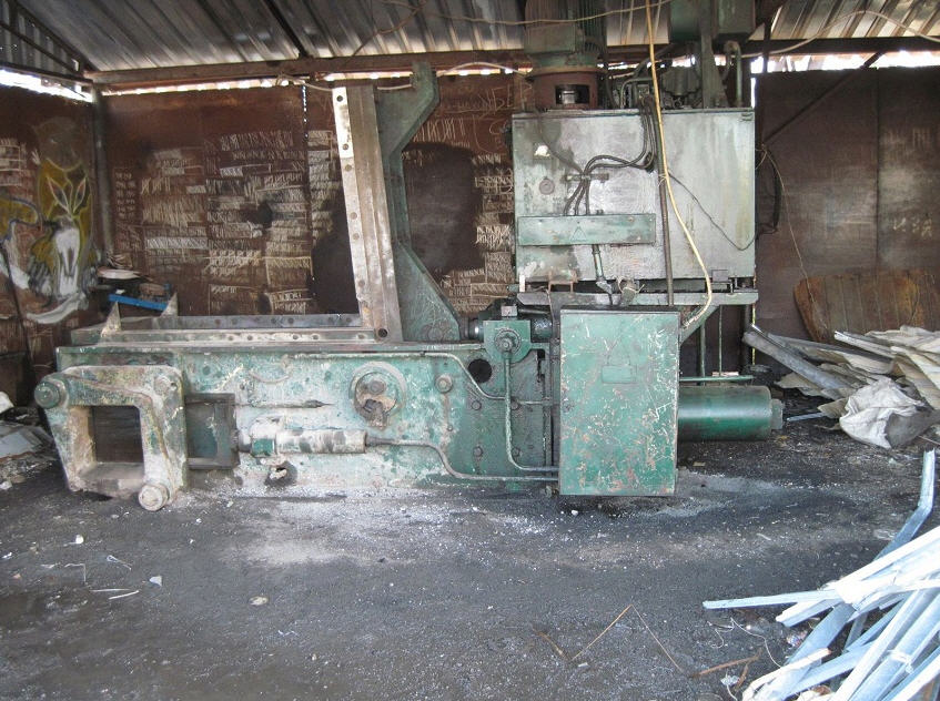 Press hydraulic BA1330A by Effort of 100 tons for metal junks
