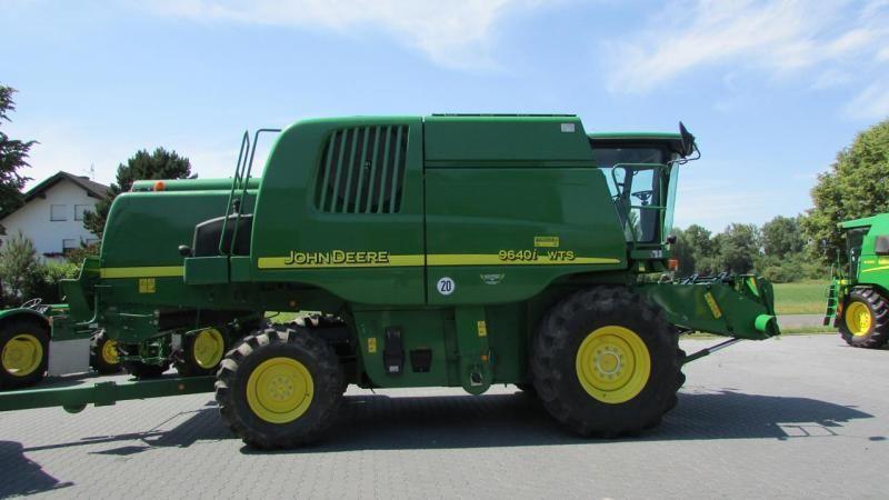 Купить Зерноуборочный комбайн John Deere 9640 i WTS 2006 года