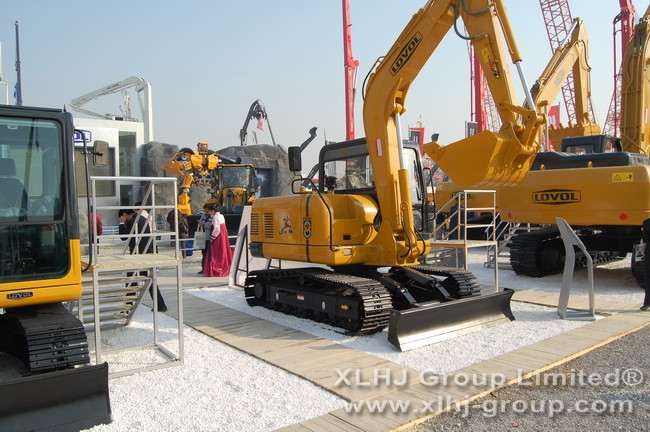Buy China LOVOL FR220D excavator