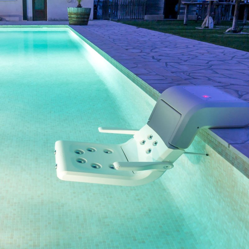 "Mobile pool SPA chair of ""WSD"