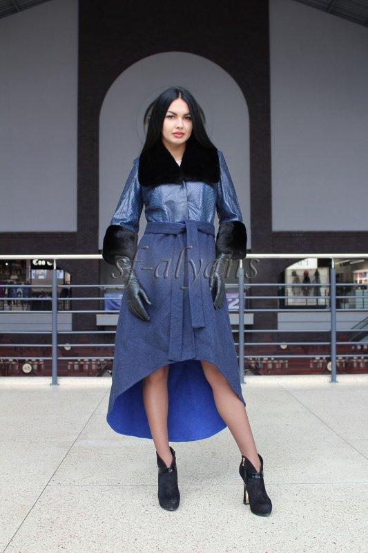 0148528324c Пальто из альпаки синего цвета с кожей питона и норкой