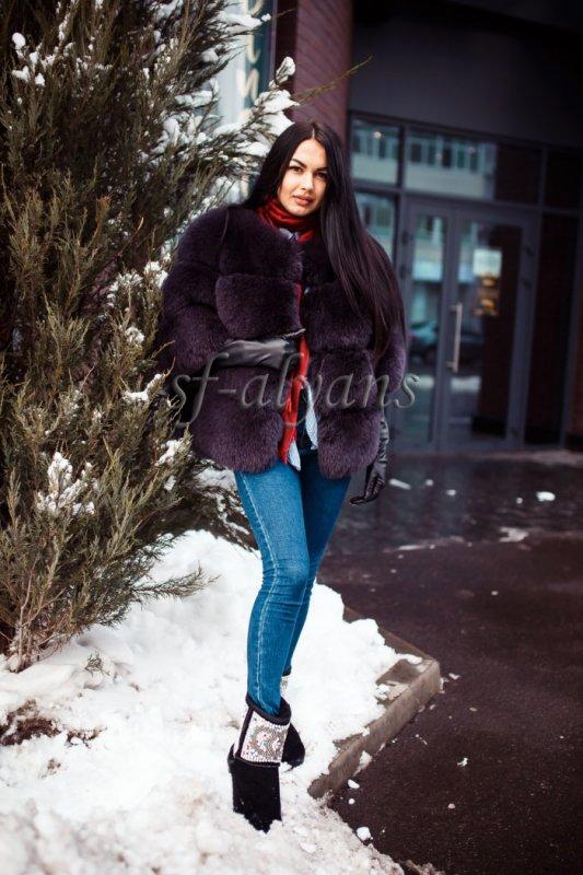 معطف من صوف الخرفان القصيرة النسائية