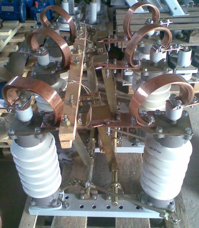 Apparecchiatura elettrica ad alta tensione