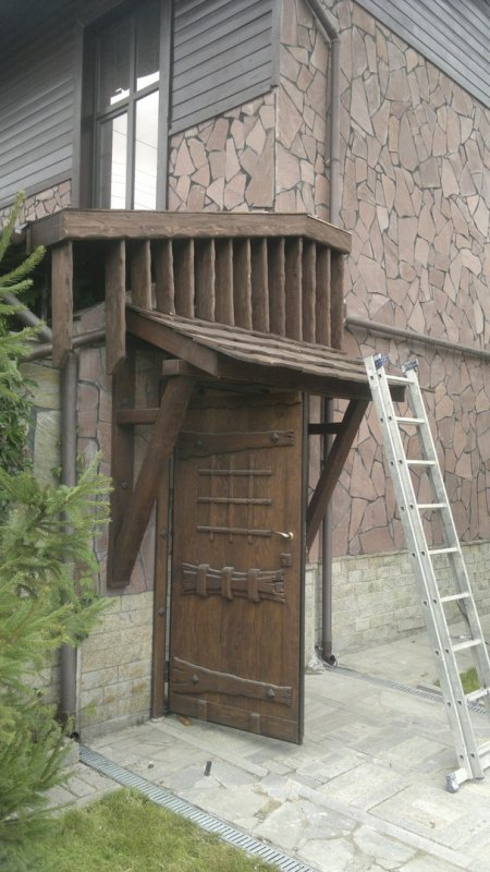 Fantastic Entrance Door With A Canopy