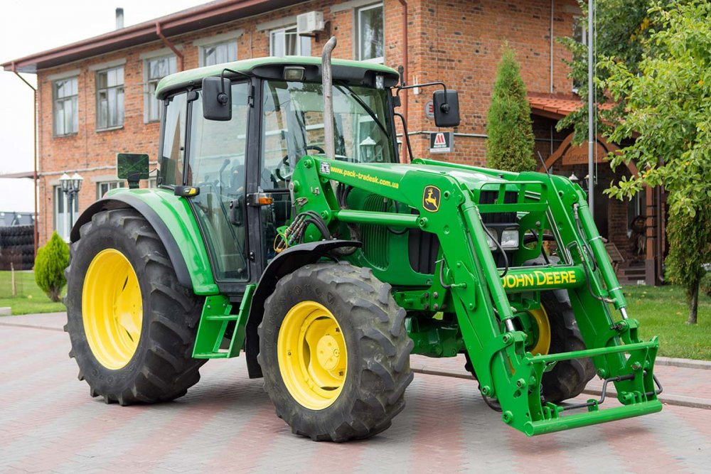 Купить Колёсный трактор John Deere 6220