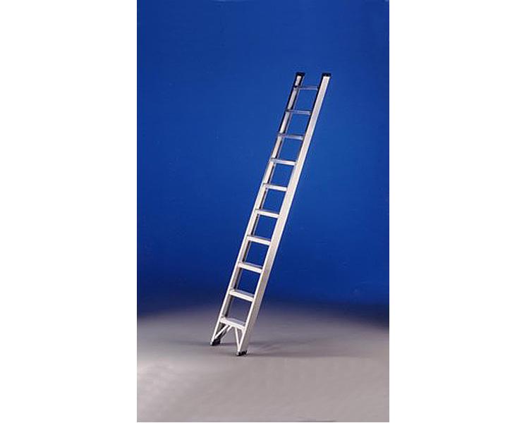Купить Односекционная лестница для садово-огородных работ SVELT FATTORIA C 16 ступеней